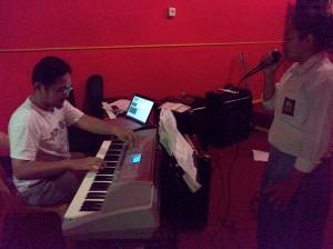 Melatih Siswa SMAN 1 Sentajo Raya Menuju Grand Final Lomba Seni Musik-Tarik Suara, Vokal Se Kabupaten Kuantan Singingi (2)