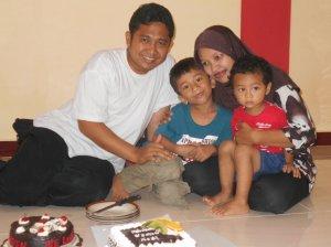 Hari Ulang Tahun Yeyen Febrina, S.Sn di Ruko CV.Jembatan Merah kab. Kuantan Singingi - Riau (1)