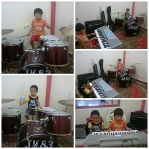 Violino Ridho Putra & Cello Yenroza Putra Latihan Musik (2)