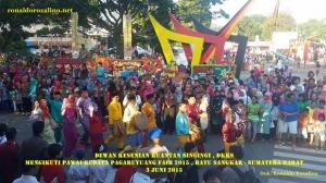 Dewan Kesenian Kuantan Singingi Mengikuti Pawai Budaya Pagaruyuang Fair 2015 Batu Sangkar - Sumatera Barat (4)