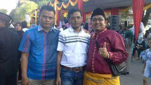 Pengurus IKTD, Ikatan Keluarga Tanah Datar di Kuantan Singingi, Menghadiri Even Pawai Budaya Pagaruyuang Fair Batu Sangkar - Sumatera Barat. Rabu, 3 juni 2015